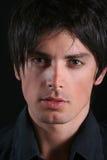 Verticale - visage de jeune homme Photos libres de droits