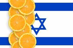 Vertikal rad för Israel flagga- och citrusfruktskivor royaltyfria foton
