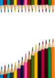 Vertikal ram med färgrika blyertspennor på vit bakgrund 1 Fotografering för Bildbyråer