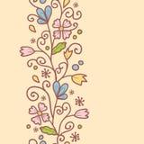 Vertikal sömlös modell för blommor och för sidor Royaltyfria Bilder