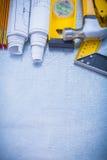 Vertikal version av byggande av funktionsdugliga hjälpmedel på Royaltyfri Bild
