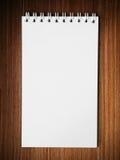 vertikal white för blank anmärkning för bok lång arkivbilder