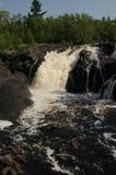 Vertikala Kawishiwi falls- Royaltyfria Foton