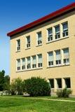 Vertikale eines Schuleflügels Stockbild