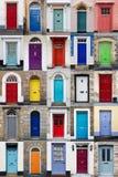 Vertikale Fotocollage von 25 Haustüren Lizenzfreie Stockbilder