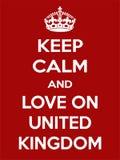 Vertikale rechteckige rot-weiße Motivation die Liebe auf Plakat Vereinigten Königreichs basiert im Weinleseretrostil Lizenzfreies Stockfoto