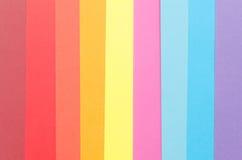 Vertikale Streifen des bunten Skizzenpapiers Stockfoto