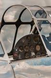 Vertikales historisches flaches Cockpit unter Wiederherstellung stockbilder