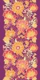 Vertikales nahtloses Muster der Fallblumen und -blätter Stockfotografie