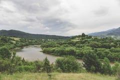 Vertikales Panorama von 3 HDR Bildern stockfotografie