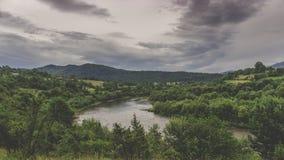 Vertikales Panorama von 3 HDR Bildern Lizenzfreies Stockbild