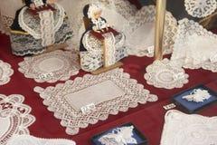 Vertoning in de Winkel van het Kant van Brussel Royalty-vrije Stock Afbeeldingen
