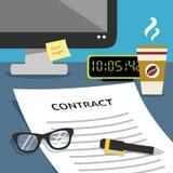 Vertrag auf Schreibtisch Stockfoto