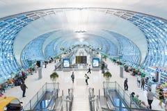 Vertrekgebied van de luchthaven van Bangkok Royalty-vrije Stock Afbeeldingen