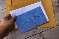 Vertrouwelijk de beschermingsconcept van de brievengegevensbeveiliging stock foto