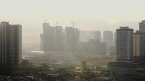 Verunreinigte chinesische Stadt Kunming morgens stock video