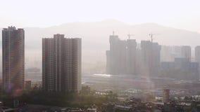 Verunreinigte Geiststadtr?nde der Stadt Kunming morgens stock video