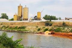 Verunreinigter Fluss Stockfotografie