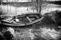 Verunreinigtes Stauwasser lizenzfreie stockfotografie