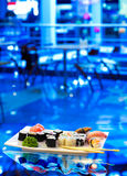 Verurteilen Sie Sushi auf einer Platte Lizenzfreies Stockbild