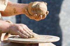 Vervaardiging van aardewerk Stock Afbeeldingen