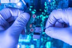 Vervaardiging van de nieuwe moderne van de micro- elektronische raad F technologiecomputer royalty-vrije stock fotografie