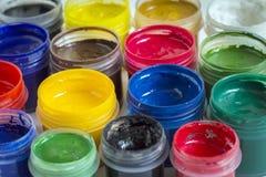 Verven van verschillende kleuren aan verf Royalty-vrije Stock Fotografie