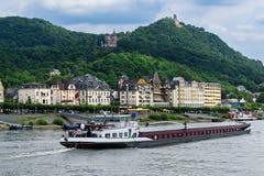 Vervoer op de Rijn-Rivier Stock Afbeeldingen