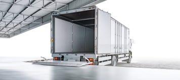 Vervoervrachtwagen die op de koopwaar van de ladingsuitvoer wachten royalty-vrije stock afbeelding