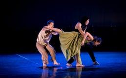 Verwarde gevoels 4-handeling 2: Dromenland van de driehoeks het relatie-moderne Dans stock foto