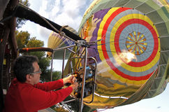 Verwarmende hete luchtballon Stock Fotografie