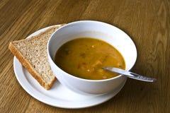 Verwarmende soep Stock Foto