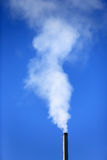 Verwarmingspijp en rook stock foto