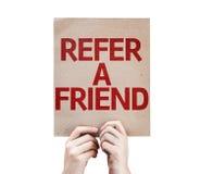 Verweisen Sie eine Freundkarte, die auf weißem Hintergrund lokalisiert wird Lizenzfreie Stockfotos