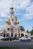 Verwendeter Baustil des Vierecks zum Achteck im Bau der Kirche Stockfotografie