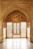 Verwickeltes Design und Schnitzen in Jahangir Palace Lizenzfreies Stockbild