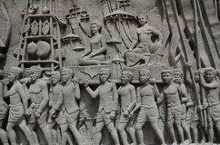 Verwickeltes thailändisches schnitzendes Wandgemälde - Thailand-Geschichte Stockbilder