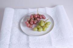 Verwijderd van een Groep druivenvruchten royalty-vrije stock foto