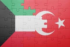 Verwirren Sie mit der Staatsflagge des Truthahns und des Kuwaits Stockfotografie