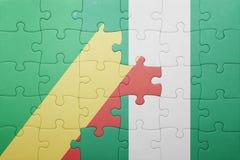 verwirren Sie mit der Staatsflagge der Republik der Kongo und Nigeria stockbild