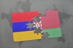 verwirren Sie mit der Staatsflagge von Armenien und von Weißrussland auf einem Weltkartehintergrund Stockfotografie