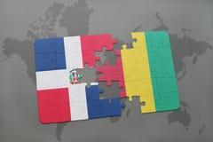 verwirren Sie mit der Staatsflagge von Dominikanischer Republik und von Guine auf einer Weltkarte lizenzfreie abbildung