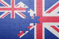 Verwirren Sie mit der Staatsflagge von Großbritannien und von Neuseeland Stockfoto