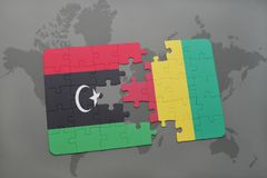 verwirren Sie mit der Staatsflagge von Libyen und von Guine auf einer Weltkarte vektor abbildung