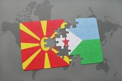 verwirren Sie mit der Staatsflagge von Macedonia und von Dschibouti auf einer Weltkarte Stockbild