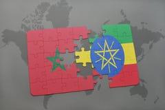 verwirren Sie mit der Staatsflagge von Marokko und von Äthiopien auf einer Weltkarte Stockfoto