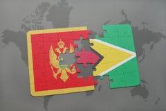 verwirren Sie mit der Staatsflagge von Montenegro und von Guyana auf einer Weltkarte Stockfoto