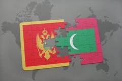 verwirren Sie mit der Staatsflagge von Montenegro und von Malediven auf einer Weltkarte Stockbilder