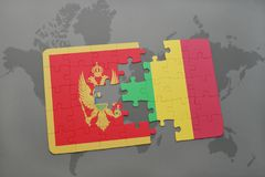 verwirren Sie mit der Staatsflagge von Montenegro und von Mali auf einer Weltkarte Lizenzfreies Stockbild