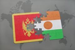 verwirren Sie mit der Staatsflagge von Montenegro und von Niger auf einer Weltkarte Stockbilder